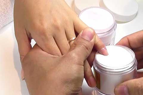 dipping nails